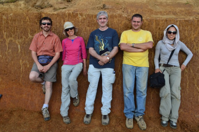 A really international team is resting in the trench! From the left: Livio Bonadeo, Rivka Amit (Israel Geological Survey), Alessandro Michetti, Andrea Zerboni and Magda Velazquez (University of Mexico).